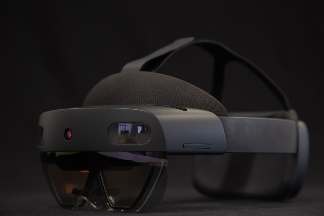 Hololens 2 Microsoft - Photo by Light And Shadows